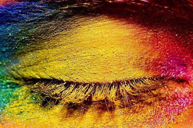 El color de los ojos impacta
